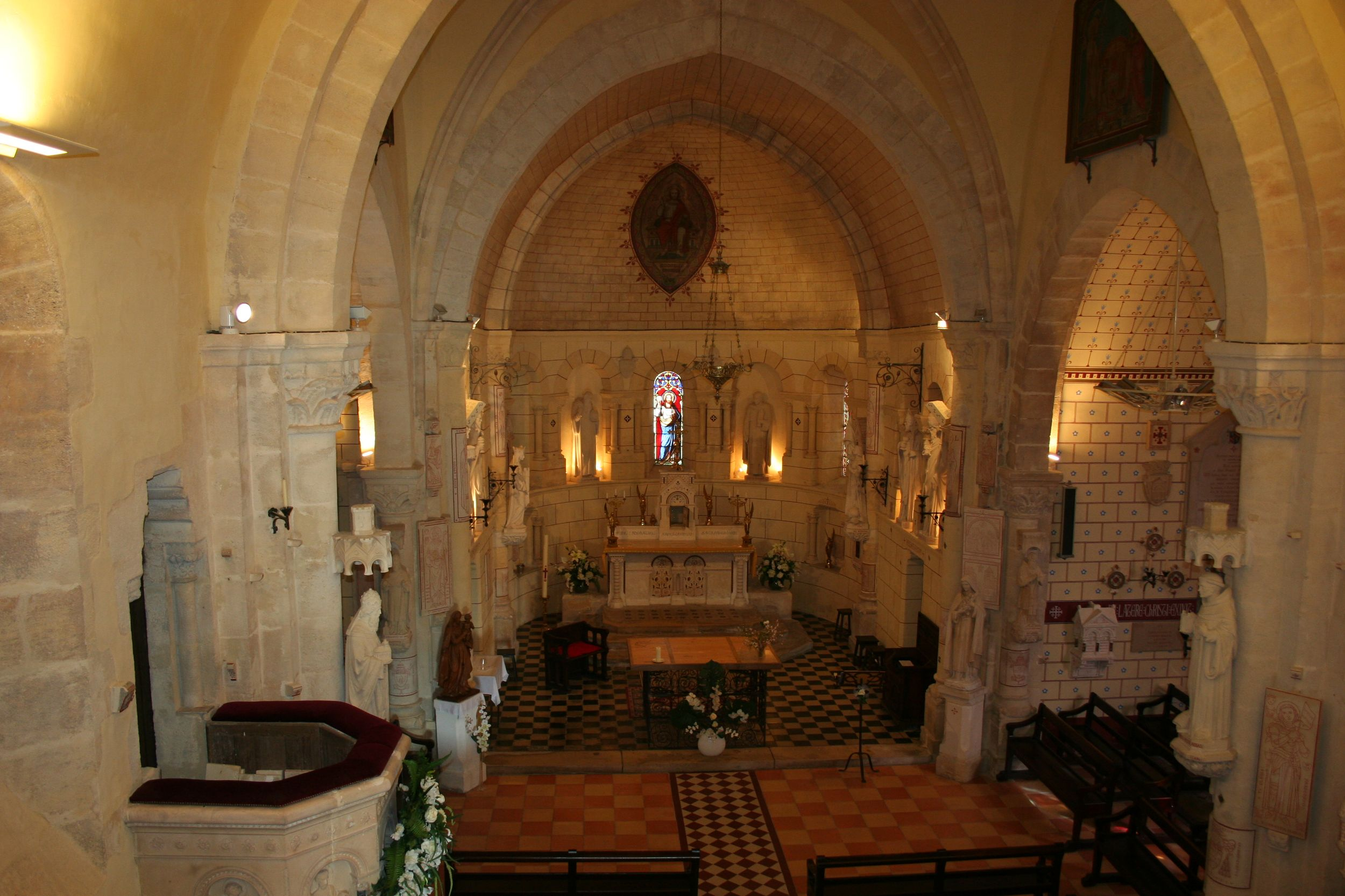 35-interieur-eglise-1
